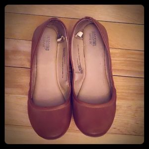 MOSSIMO ballet flats